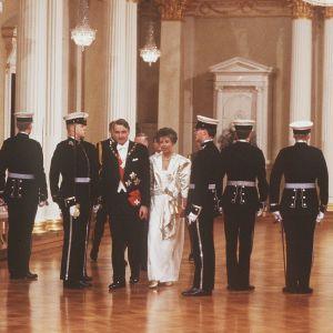 Presidentparet Mauno och Tellervo Koivisto i presidentens slott 1985.