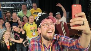 DJ Matti Airaksinen ja ysäristifaninsa