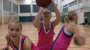 Baskettimme på Mäkelänrinne idrottsgymnasium.
