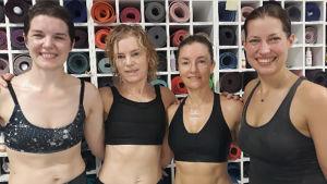 Yogainstruktörerna Kati, Anna, Susanna och Tina på Yoga Nordic.