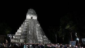 Mayaceremoni i Tikal i Guatemala i går med anledning av att ett tidevarv upphör.