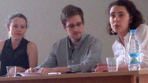 Snowden under en presskonferens i Moskva  den 12 juli 2013
