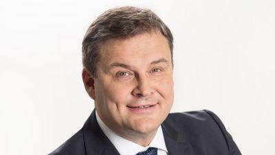 Matti Bergendahl i kostym och slips.