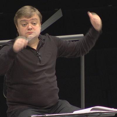 Mikko Franck harjoituttaa RSOta.