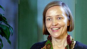 Ylilääkäri Annikka Kalliokoski haastattelukuvassa.