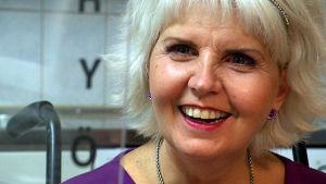 Marja Korhonen hymyilee.