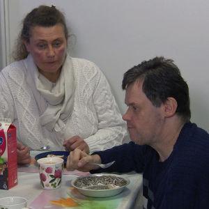 Eläkeläinen Tom Brandt ja hänen siskonsa Christina Brandt