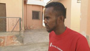 man som jobbar för rädda barnen i Mogadishu