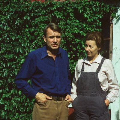 Man och kvinna i solskenet
