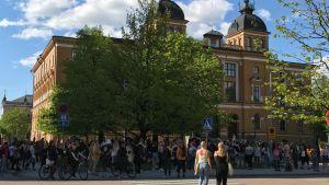rasismin vastainen mielenosoitus Oulussa 4. kesäkuuta 2020.