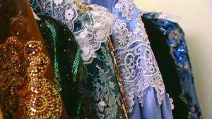 Romska kläder och smycken