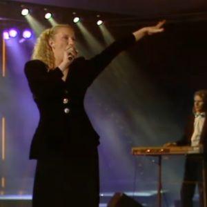 Tanjalotta Räikkä esiintyy vuoden 1989 euroviisukarsinnassa