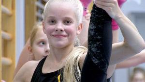Kaisa Seppälä aerobic-treeneissä.