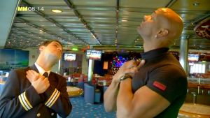 Töj ut muskler som blir spända på grund av till exempel datorarbete. Bild: YLE/Cityportalen AB