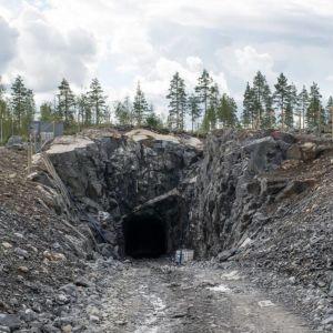 Ingång till en gruva i Syväjärvi.