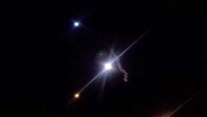 En skärmbild från statlig iransk tv visar raketer som avfyrades mot Irak den 8 januari 2020.