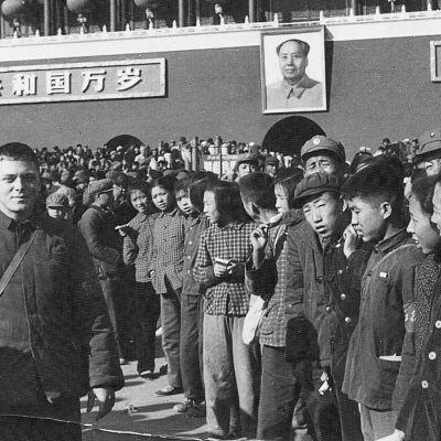 Kiinaan asettuneiden länsimaisten perheiden lapset kasvatettiin kommunismin hengessä.