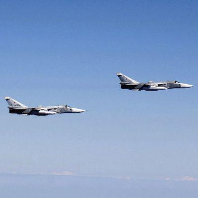 Flygvapnets Hornet och Suhoi Su-24 plan i Östersjöns och Finska vikens internationella luftrum.