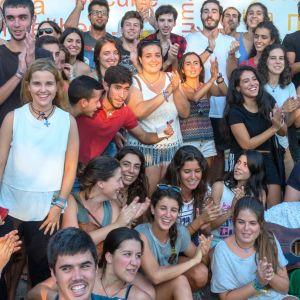 Espanjalaisia nuoria