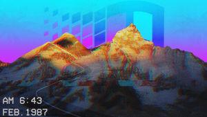 Skrivbordsbakgrund till dator med Vaporwave-tema av Flickr-användaren tofoli.douglas. En gulnande bergskedja med en digital statisk effekt, i bakgrunden Windows 95-operativsystemets logga i en lila-blå gradient.