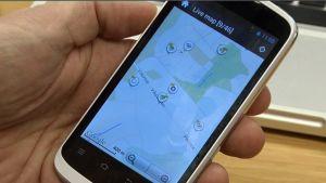 Geokätkön etsimistä kartan avulla