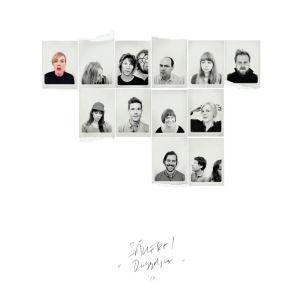 Omslaget still Säkert!-skivan Däggdjur med flera små passfoton av de medverkande.