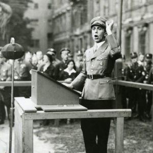 Joseph Goebbels vid talarstolen