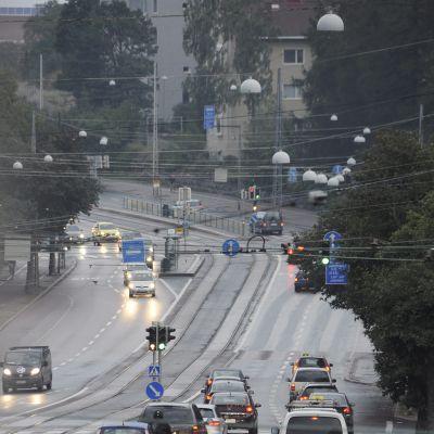 Liikennettä Helsingissä Mannerheimintiellä Helsingissä 18. syyskuuta 2015.