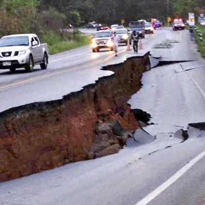Manntie revennyt maanjäristyksen voimasta.
