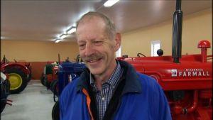 Bjarne Holmlund, traktorsamlare i Kronoby