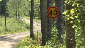 Nya Dalvägen sköts av ett väglag.