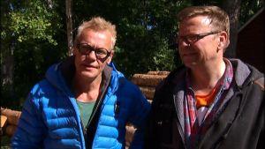 Bastubyggarna Jim Björni och Johan Ångerman.