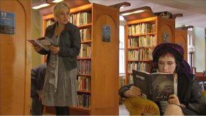 Stradan Sanna ja kirjailija Sofi Oksanen