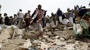 hårda strider pågår i Jemen