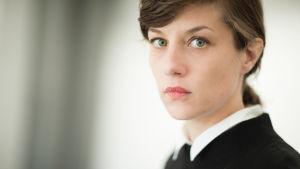 porträtt av regissören Susanne Keennedy
