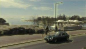 Kuvassa Jaguar E-Type.
