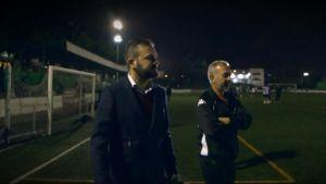 Miguel Ángel Galán och Ossamah Abdul Mohsen på fotbollsplanen i Getafe