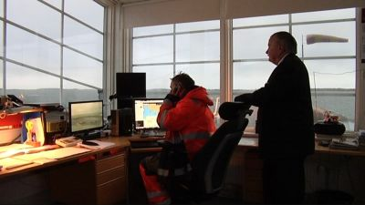 Övervakningstornet för hamnen i Smörmagasinet i Hangö.