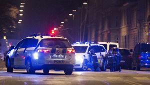 En massiv polisoperation har pågått i Köpenhamn under natten.