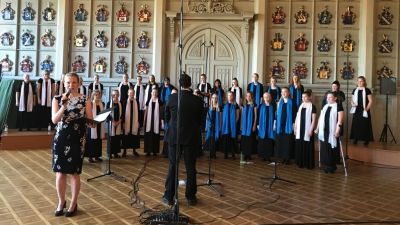 KaMu-kuorot esiintyvät Ritarihuoneella Pekka Nebelungin johdolla. Konsertin juontaa Inari Tilli.