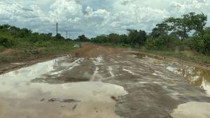 Väg efter ett regn i Zambia