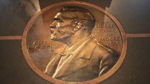 Nobel-palkinnon originaali lattiassa