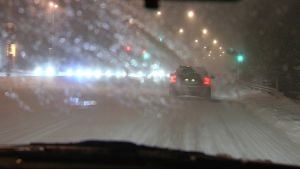 Bilväg i snöyra