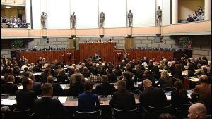 Riksdagen röstar om Portugalpaketet