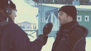 Stefan Paavola intervjuar Niklas Blomander