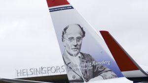 J.L. Runeberg finns på Norwegians flygplan