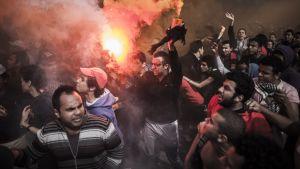 Demonstrationer bröt ut efter att domarna mot fotbollsdemonstranter förkunnades