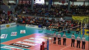 Tiikerit mot Hurrikaanit i FM-finalen i volleyboll 2013.