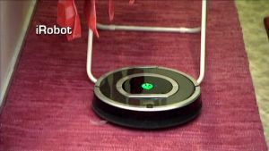 iRobot imuroi pyykkitelineen alla