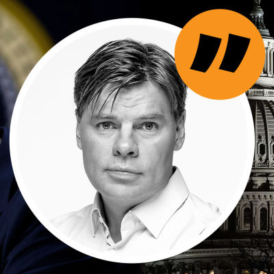 Bildmontage på Donald Trump som tittar ned mot marken, kongressbyggnaden Capitolium samt en ikon på USA-korrespondenten Ville Hupa.